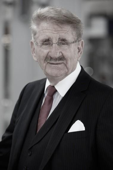 Rechtsanwalt Dr. Hubert van Bühren, Fachanwalt für Versicherungsrecht