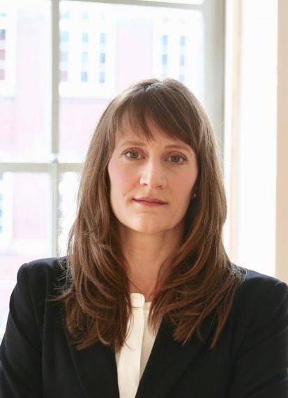 Rechtsanwältin Anna van Bühren LL.M, Fachanwältin für Versicherungsrecht